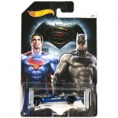 Batman vs Superman kisautók Twin Mill Hot Wheels